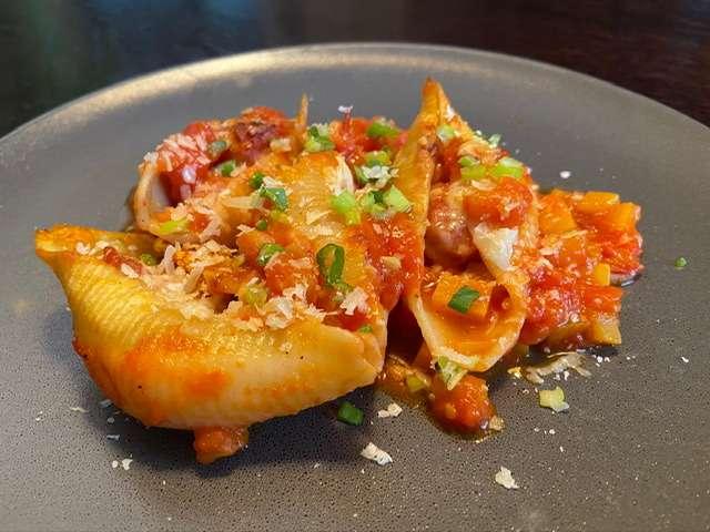 Conchilglione mit Kürbis-Tomtenragout und Salsicciabällchen - Brigittas Kulinarium
